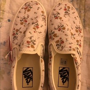 Beautiful and hard to find floral Vans slip ons
